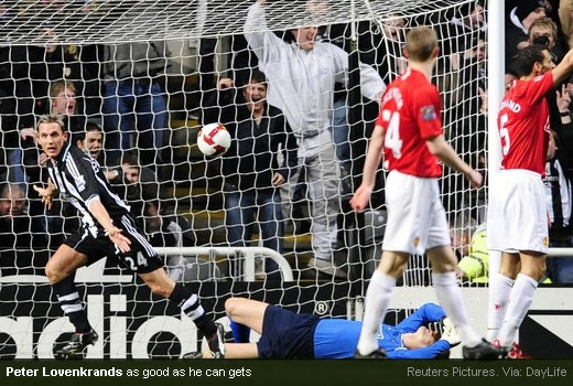 Peter Lovenkrands scores to ruin Van Der Saar clean-sheet record attempt