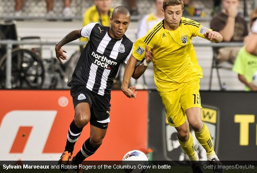 Sylvain Marveaux and Robbie Rogers of the Columbus Crew in battle [Magpies Zone/Getty Images/DayLife]