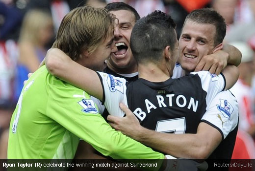 Ryan Taylor (R) celebrate the winning match against Sunderland [Magpies Zone/Reuters/DayLife]