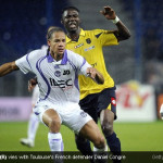 Modibo Maiga (R) vies with Toulouse's French defender Daniel Congre [Magpies Zone/GettyImages/DayLife]