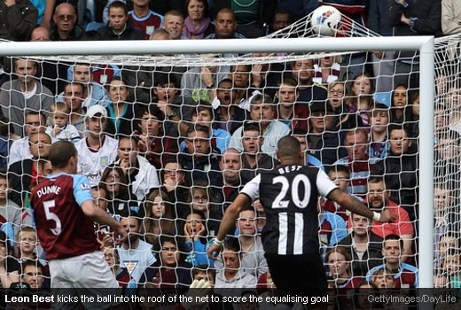 Leon Best kicks the ball into the roof of the net to score the equalising goal [Magpies Zone/GettyImages/DayLife]