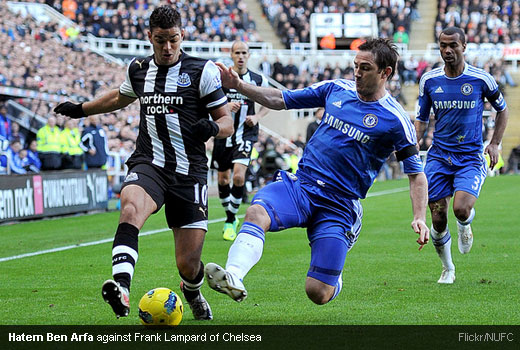 Hatem Ben Arfa against Frank Lampard of Chelsea